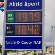 Her koster det nesten 20 kroner for en liter med bensin