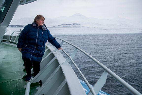 Regjeringen trosser råd om iskanten. Opposisjonen raser: – Farlig avtale for verdens miljø.