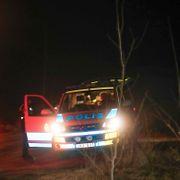 To barn og en mann funnet døde i brennende bil i Sverige