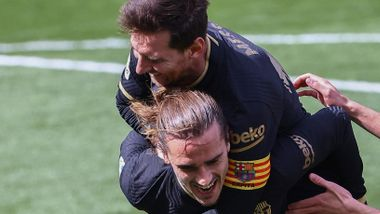 Rødt kort etter grisetakling på Messi – Barcelona presser Atletico
