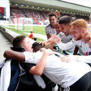 13-åringen ble netthetset. Her er Fulham-spillernes svar.