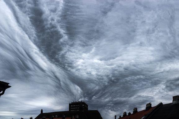 Så du disse skyene? De varsler urolig vær