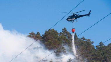 Ombo-brannen i Rogaland: Har satt inn full styrke søndag morgen