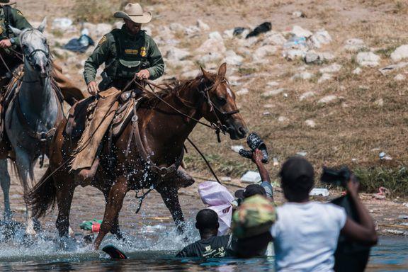 Migranter jaget vekk av ridende grensepoliti. Det kan være ulovlig, mener FN-topp.