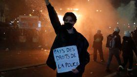 37 politifolk skadet i voldsomme demonstrasjoner i Frankrike