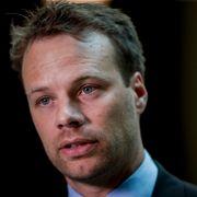 Mann siktet for trusler mot Frp-topp forblir varetektsfengslet