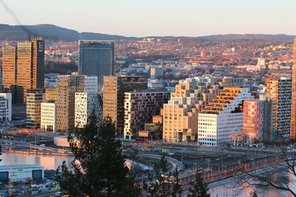 Ni grafer som viser befolkningsutviklingen i Norge: – Oslo får den unge veksten.