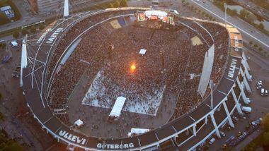 Når Metallica spiller her i sommer, må folk som ikke vil stumpe røyken forlate stadion.