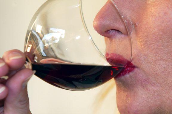 Ny studie: Risikoen er større for at du drikker mer alkohol hvis du er på hjemmekontor