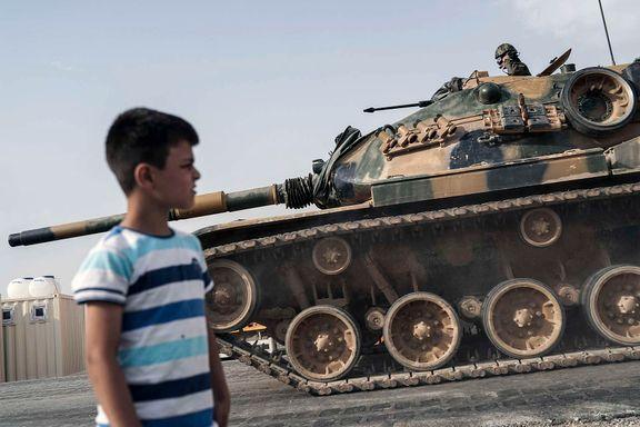 Nå slipper også Tyrkia bomber over Syria. Minst 35 skal være drept siste døgn.