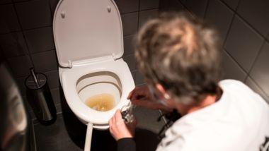 Her går utestedets øl rett i do: – Bare i dag har vi helt ut øl for 150.000 kroner