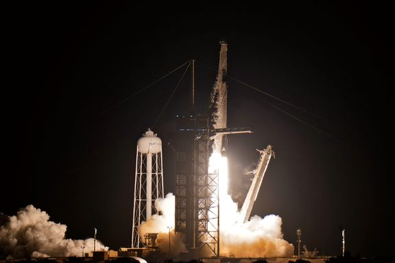 Sivile romturister skutt opp fra Florida. Skal være tre dager i verdensrommet.