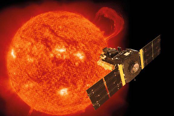 Den skulle egentlig bare brukes i to år. Nå er det blitt 25 år med solsatellitten SOHO.