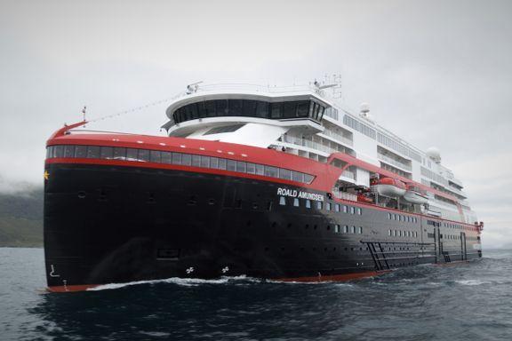 Nytt hurtigruteskip omsider klar for jomfrucruise. Men det blir knapt å se langs norskekysten.