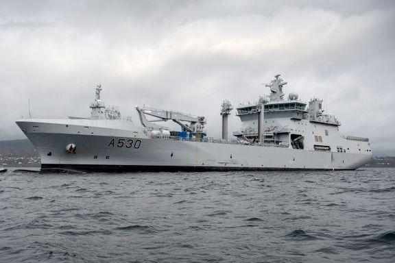 I mai ble Forsvarets største skip døpt. Nå har det fått seilingsforbud.