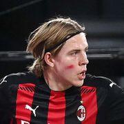 Ble norsk seriemester. Deretter scoret han sitt første seriemål for AC Milan.
