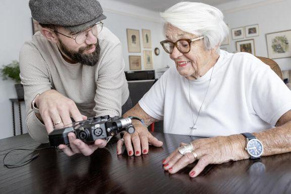 Ingeborg Moræus Hanssen (82) blogger og lager podkast. Slik holder du deg ung og oppdatert.