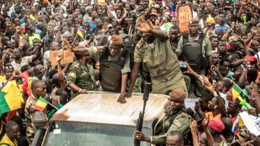 Tusenvis feiret statskuppet i Mali