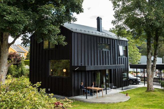 Melkekartong-huset deres vant arkitekturpris: – Vi måtte gjøre det beste ut av tomten