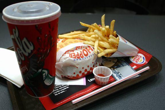 Burgerkjede dropper plastleker til barn