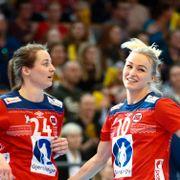 To norske håndballjenter på internasjonal stjerneliste