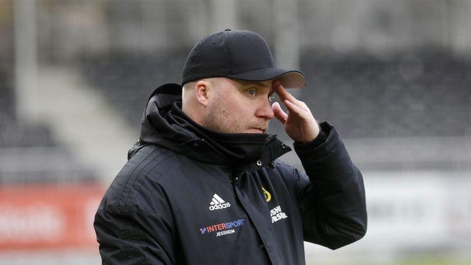 Landro styrte inn mot tre poeng i debuten. Så våknet Åsane.