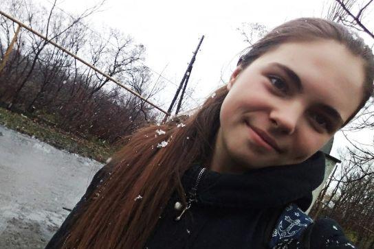 Darja Kazimirova (15) leste til eksamen. Da kom granaten. Europas glemte krig blusser opp.