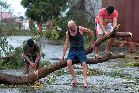 Elleve bekreftet døde etter tyfon på Filippinene
