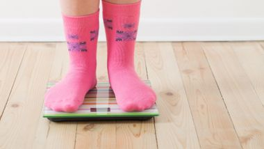 Du skader ikke barnet ved å snakke om overvekten