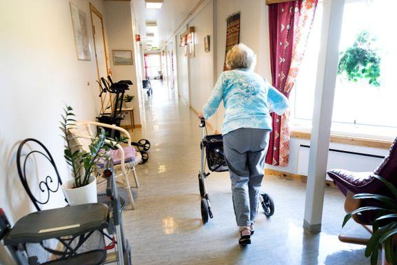 Kommunesammenslåing kan skape trøbbel for eldreomsorgen