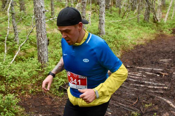 For to år siden veide Sverre 150 kilo. Her løper han Moldes sju topper på tre timer.
