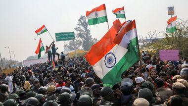 Både Facebook og Twitter kan bli fjernet i India