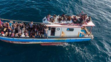 Båtflyktninger fryktes druknet utenfor Malaysia