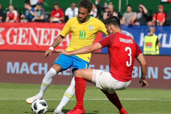 Her ydmyker Neymar motstanderen