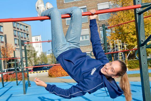 Mia (17) dropper klassefester til fordel for idretten: – Det har vært noen kjipe prioriteringer