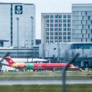 Nok et fly med evakuerte fra Afghanistan har landet i Danmark
