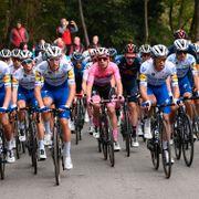 Fullt kaos i Giro d'Italia: Rytterne protesterte