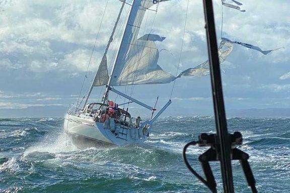 Hoppet over til seilbåten for å redde Thore (74): – Det var temmelig vilt der ute