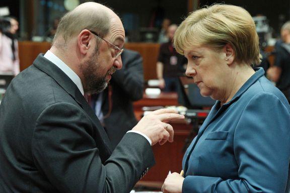 I kveld skal 30 millioner tyskere se duellen mellom disse to. For mange vil den avgjøre hvem de stemmer på.