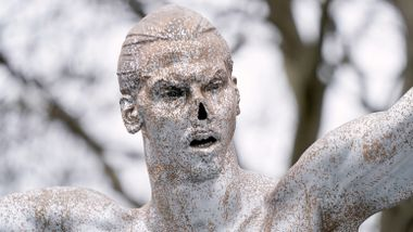 Zlatan-statuen får ny adresse