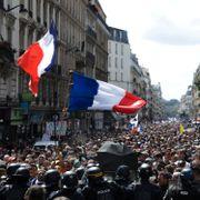 Politiet barket sammen med koronapass-motstandere i Paris