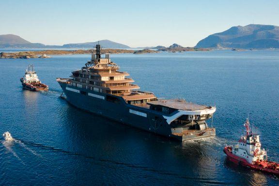 Røkkes nye yacht er kommet til Norge