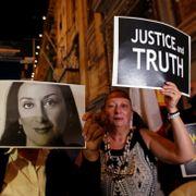 Regjeringsmedlemmer går av etter drap på landets mest kjente gravejournalist