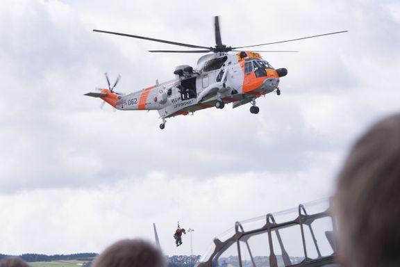 Skulle byttes ut i 2008. Nå skal de 45 år gamle redningshelikoptrene være i luften på ubestemt tid.