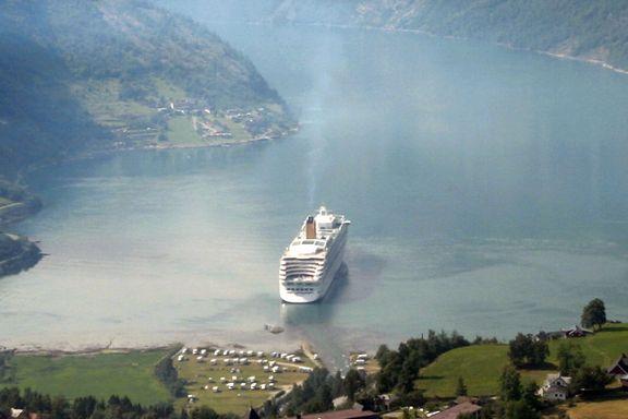 Cruiseskipene kastes ut av Geiranger. Cruisetopp mener det vil skade Geiranger mer enn bransjen.