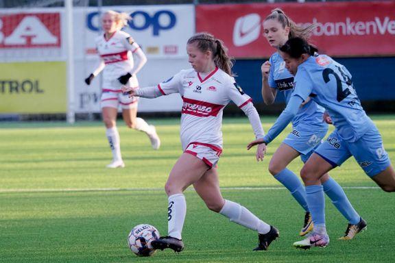 Planen var å spille 2. divisjon. Søndag debuterte Nora Ferstad (18) for Sandviken med målgivende pasning.