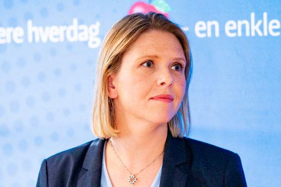 Sylvi Listhaug lovpriser helprivat omsorg. Ap: – Luksushelsetjeneste for de få.