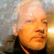Storbritannias innenriksminister åpner for utlevering av Assange