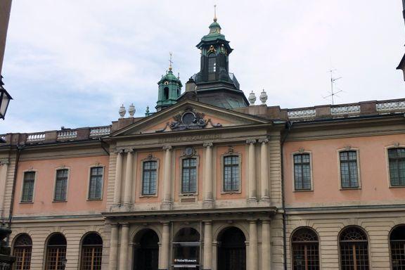 Svenska Akademien i krise. Det kan gå ut over Nobelprisen.