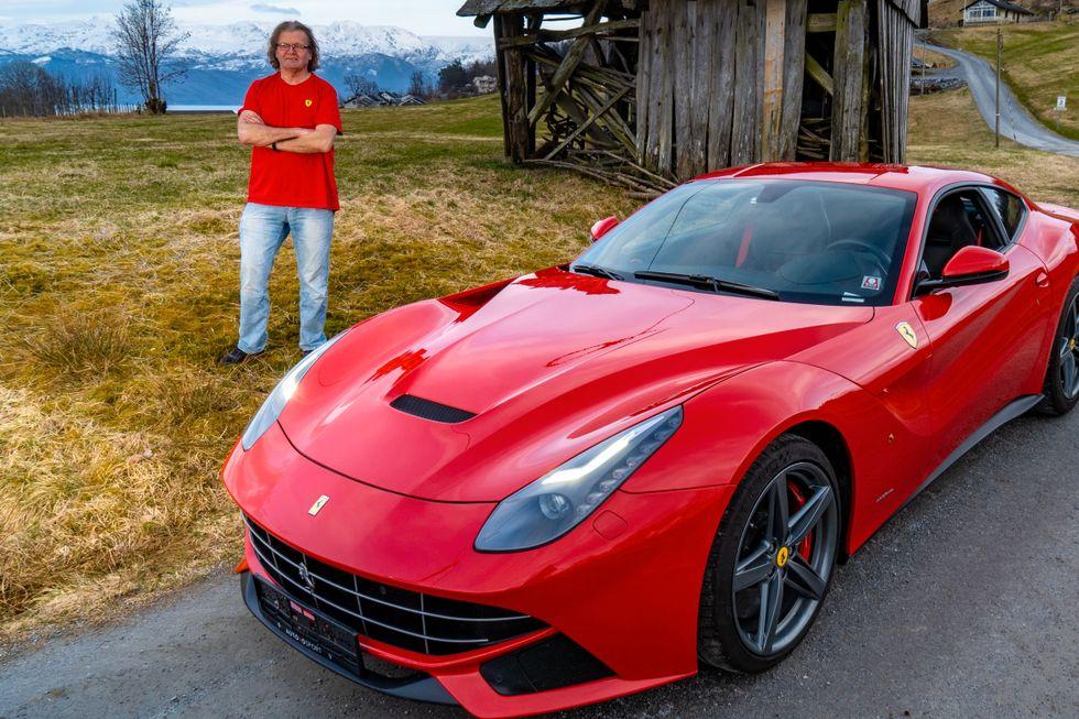 Har aldri eid annet enn Ferrari: – Kona fikk valget om å gå eller å finne seg i det